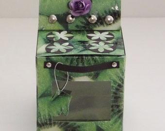 ASSEMBLED Oven Gift Box - Kiwi Print
