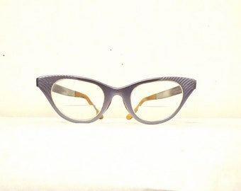 Larger Winged Cat Eye Glasses Frame Vintage 50s 60s Heather Grey Aluminum Eyeglasses Lavender Gray Sunglasses Tura Faded Violet CatsEYes