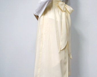 Vintage Skirt 1970's Bow Skirt Vintage Yellow Cotton Feminine Gathered Prairie Home Made Skirt Pastel Skirt Size Small
