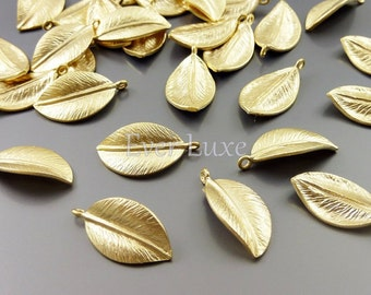 4 medium leaf charms / realistic nature leaf charms for jewelry making, necklaces, bracelets 1565-MG-MED