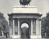 Wellington Arch, vintage London photo, London landmark, BW photo decor