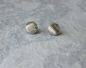 Round Silver Earrings, Silver Post Earrings, Striped Earrings, Inexpensive Gifts, Inexpensive Earrings, Silver Button Earrings, Round Studs
