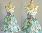 Vintage 50s Dress / 1950s Prom Dress / Turquoise and Green Floral Party Dress w/ Shelf Bust S/M