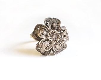 Vintage Sterling Ring Silver Filigree flower