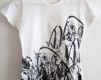 SALE Harvest Field Womens printed cotton T shirt white and black
