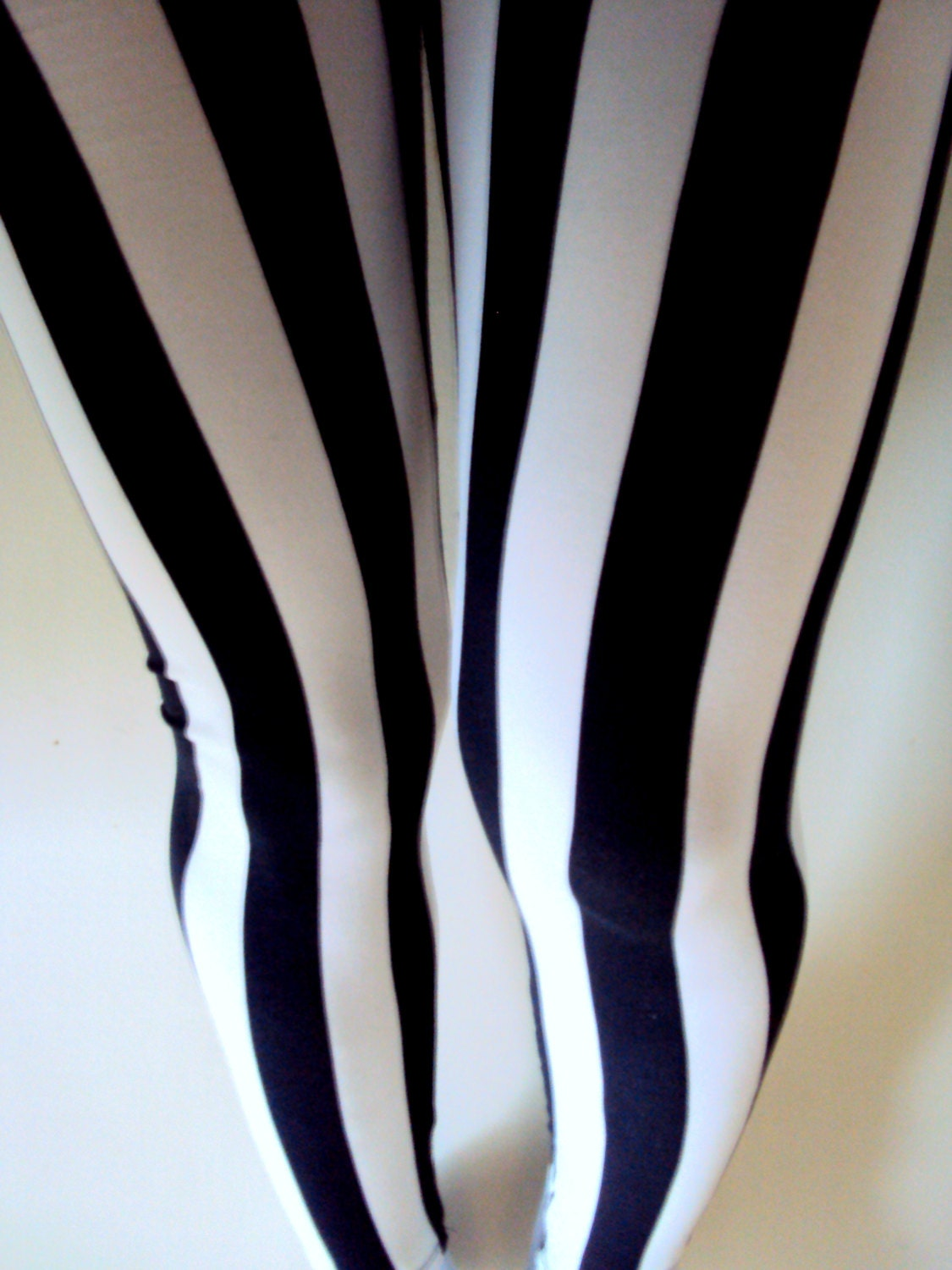 Striped Yoga Leggings - Trendy Clothes