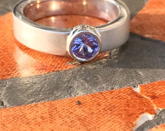 Sterling Silver Ring w/ Tanzanite Bezel Set Center Stone