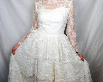Lovely Vintage 1960s Wedding Dress by Bridal Originals