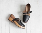 Vintage 70s Navy Leather & Wood Portland-Made Clogs | women's 7.5