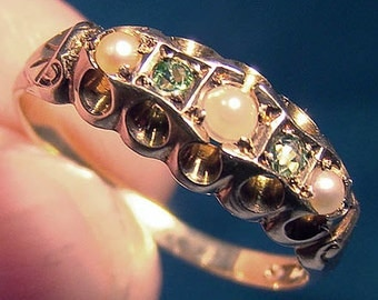 Edwardian 14K Peridot and Pearls Ring 1900 1905