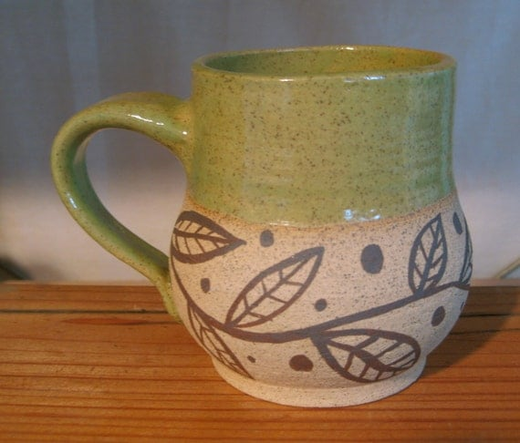Mug with Leaves in Yellow/Green