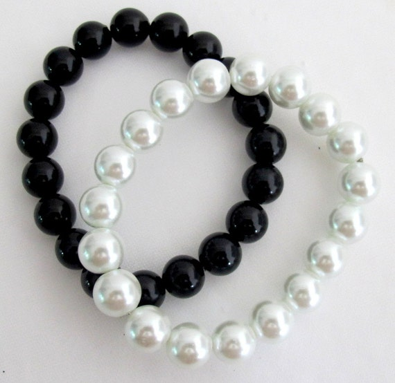 White Black Pearls Jewelry Stretchable Bracelet 10mm Glass  Pearls Bracelet Free Shipping In USA