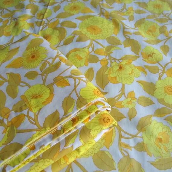 vintage lit double feuille fleurs jaune acide. Black Bedroom Furniture Sets. Home Design Ideas