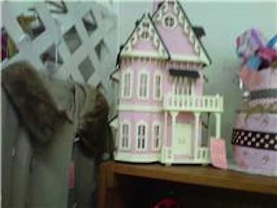 Art Minds Victoriian Gothic Dollhouse Kit and Furniture Kit