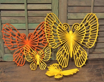 Free Shipping Beautiful Vintage Set of plastic butterfly Butterflies Orange Yellow with wall hooks