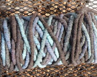 Super Bulky Yarn Blue Green Black 1 Limited Edition Rug Yarn Bump