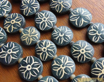 Painted Jade Flower Bead Strand, 20 mm, Black Coin, Item JE41