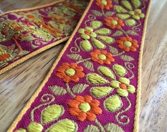 SALE - Half off - Vintage Embroidered Trim - 1 Yard