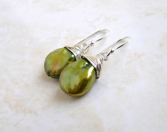Green Coin Pearl Wire Wrapped Sterling Dangle Earrings GE5