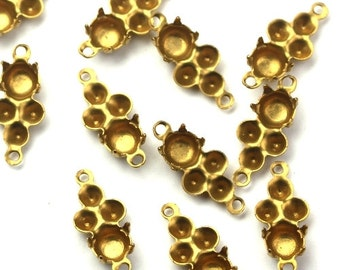 Rhinestone Settings Prong and Glue In 4 Stone Connectors 5mm 2mm (12) FI692