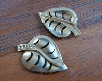 2 Brass Rhinestone Setting Leaf C13