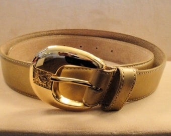 Vintage Anne Klein gold leather belt, Sz Med, 1 and 1/4 inch wide with Anne Klein lion head logo buckle, Excellent Condition, 1980s