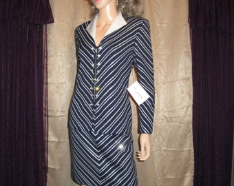 Vintage St John Evening Marie Gray sz 4 Suit with Tags, Knit Zip front Jacket, Skirt, Navy Blue and White, Paillette trim, White collar