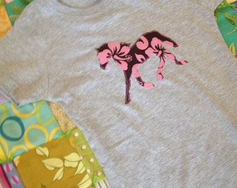Pink Brown Hibiscus pony horse tshirt in size Large 14-16 Heathered Gray