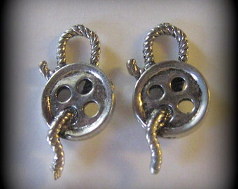 4 Silver Pewter Sewing Button Charms (cc01)