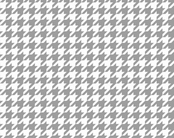 Houndstooth in Gray (C970-40) - cut options available