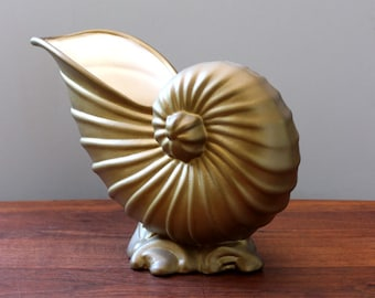 The Conch. Vintage ceramic decor or vase, Hollywood Regency style.