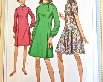 Vintage 1960s A-Line Dress Pattern with Roll Collar - Simplicity 7342