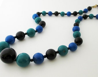 Black Blue and Green Graduated Beads Necklace 1980s Vintage