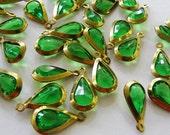 8 Vintage peridot green acrylic brass channel set teardrop beads, 10x19mm penant drops - AC016