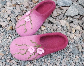 CUSTOM MADE Wool shoes/ felted home slippers model Blossom, any color and size