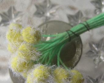 Stamen Millinery Flower Stamen Germany Fuzzy Peps 18 Stems  G49