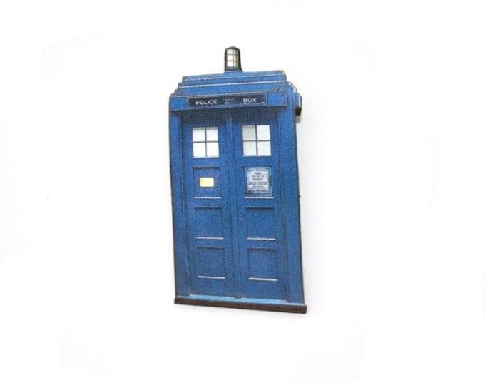 Tardis Brooch, Dr Who Illustration, Wood Jewelry, Blue Telephone Box Brooch