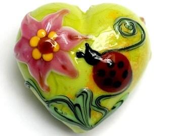 11833125 - Ladybug on Spring Green Heart (Large) - Handmade Glass Lampwork Beads