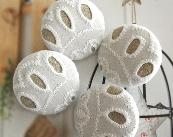 "Large Retro Wedding White Beige Lace Floral Fabric Covered Buttons, Wedding Retro Fridge Magnets, Flat Backs, 1.25 "" 4's"