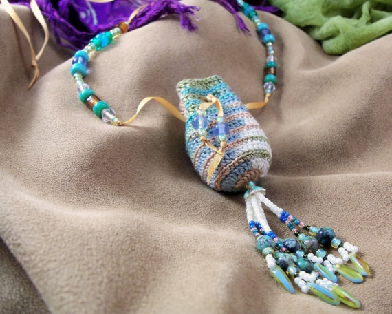 Free Crochet Amulet Bag Patterns : Crocheted Amulet Pouch with African Turquoise
