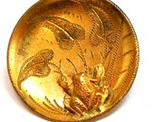 LG Antique Frog BUTTON, 1800s Victorian amphibian with leaves on brass.