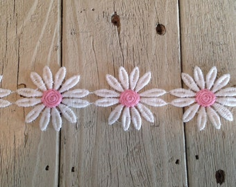 LARGE Daisy Trim  WHITE and PINK 1 1/2 inch Daisies -1 yard