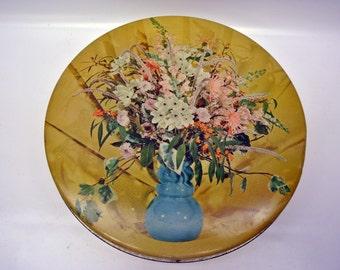 Vintage cookie tin - wildflower bouquet