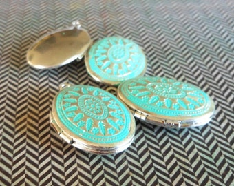bright silver oval locket , VERDIGRIS patina silver plated locket, jewelry making pendant charm finding