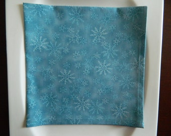 Blue Snowflakes Dinner Napkins. Set of 4. Christmas Napkins, New Year's, Winter Napkins. Great Hostess Gift.