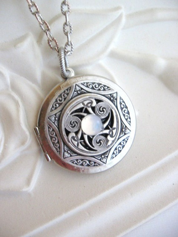 Items similar to Triskele Pendant, Triskelion ...