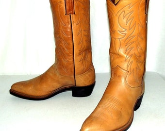 Light Tan Justin brand cowboy boots size 8 D or women size 9.5