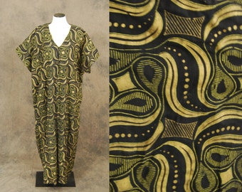 CLEARANCE Sale vintage 70s Caftan - Black and Metallic Gold Swirl 1970s Ethnic Maxi Dress Lounge Wear One Size