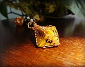 VIKING KNIT Wire Wrapped 8 Sided Dice in Black and Gold - Copper Wire - Dungeons and Dragons - Tabletop Gaming - Gamer - Geekery - DnD