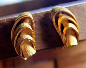 Vintage Earrings KRAMER Signed Gold Tone Clip On